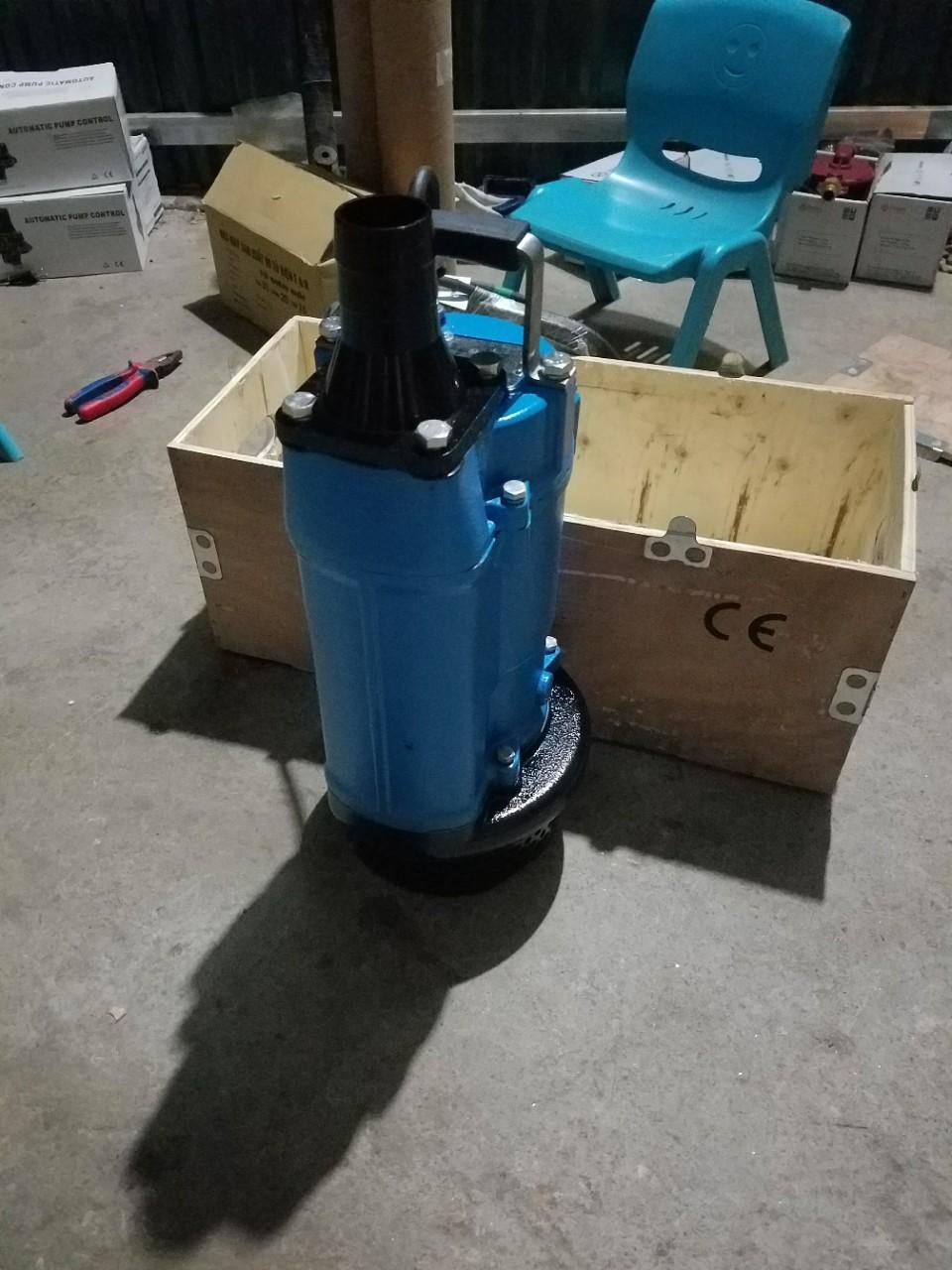 máy bơm hố móng 2.2kw